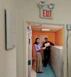 資料・機器の貸出やスタッフの管理に最適な固定式RFIDリーダライタとアンテナ