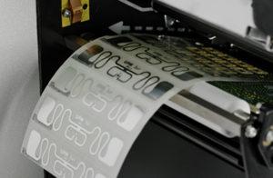 ICタグ・ラベルは厚く・でこぼこな表面でもきちんと印刷できる